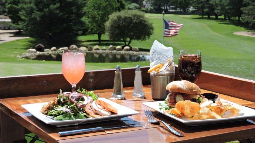 The Windham Club, Dining, Minuteman Pub & Patio, North Windham Pub Fare