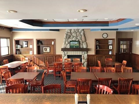 pipers pub at sanctuary lake golf course in troy
