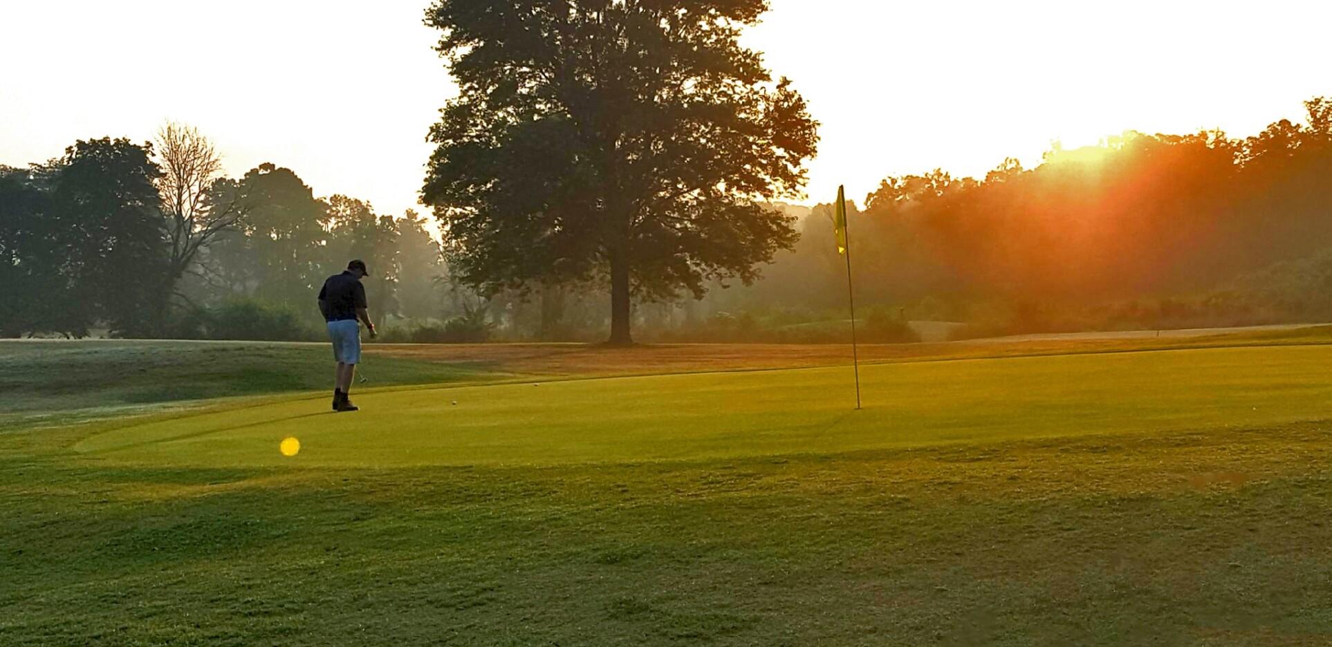 Man Golfing at Knoxville
