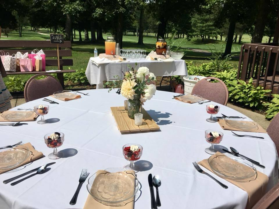 outdoor banquet event at Raintree Golf and Event Center