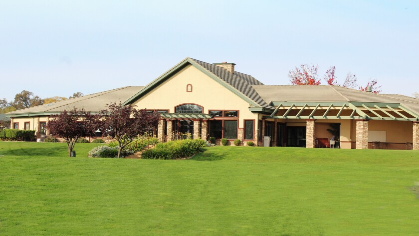 Castle Oaks Golf Club, Clubhouse