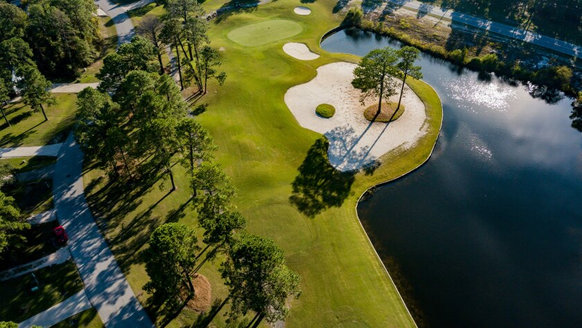 Harbour Pointe Golf Club, Aerial of Green, Bunker with Trees