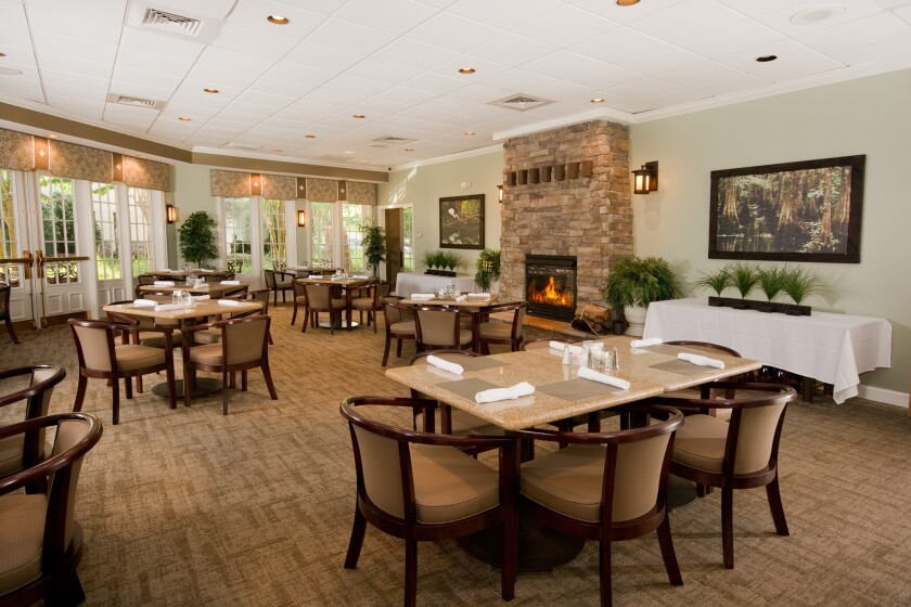 Chesapeake Bay Grille restaurant dining room