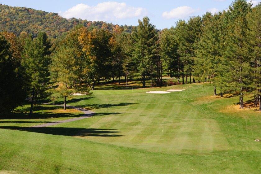 Lexington Golf Country Club Approach Shot