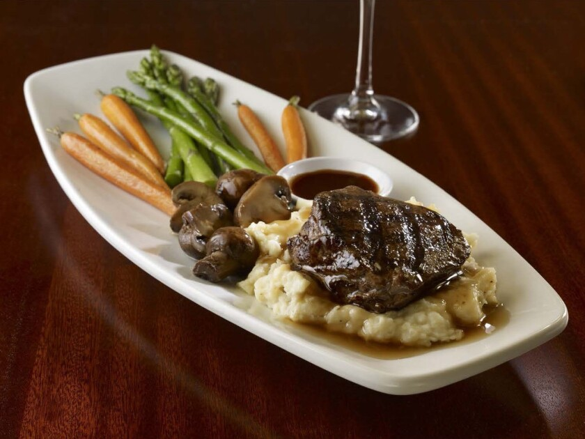 steak vegetables and mashed potatoes