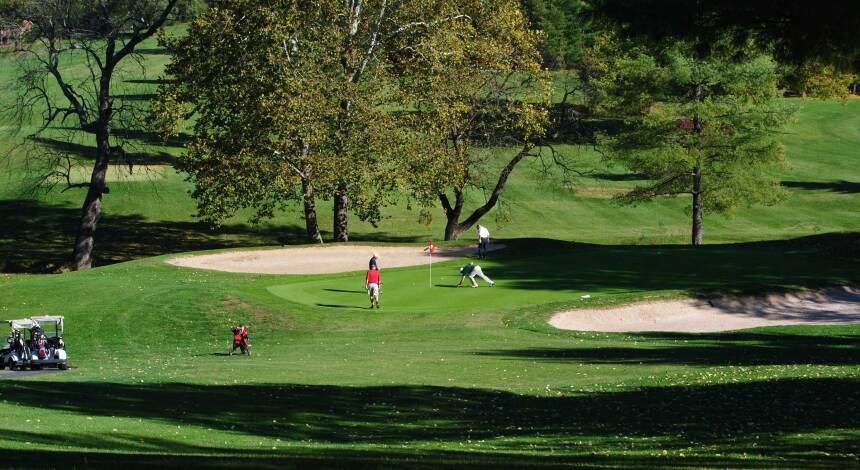 Lexington Golf & Country Club, Hole 2