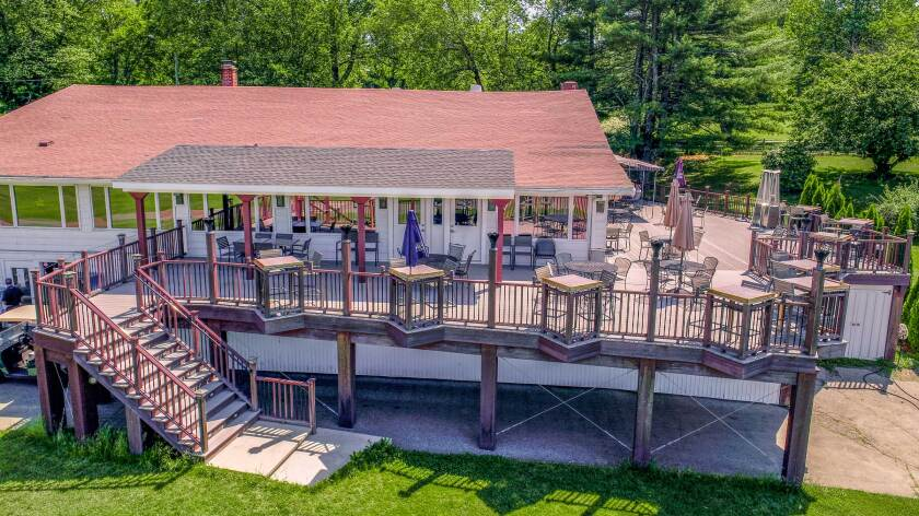 The Minuteman Pub and Patio at The Windham Club, Pub Food in North Windham Connecticut